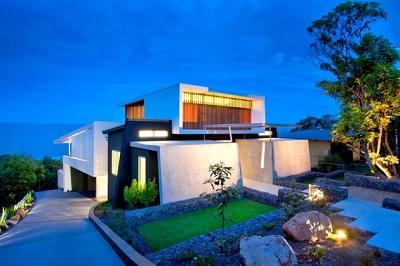 Bold Exterior Beach House with minimalist interiors : Seattle Locksmith